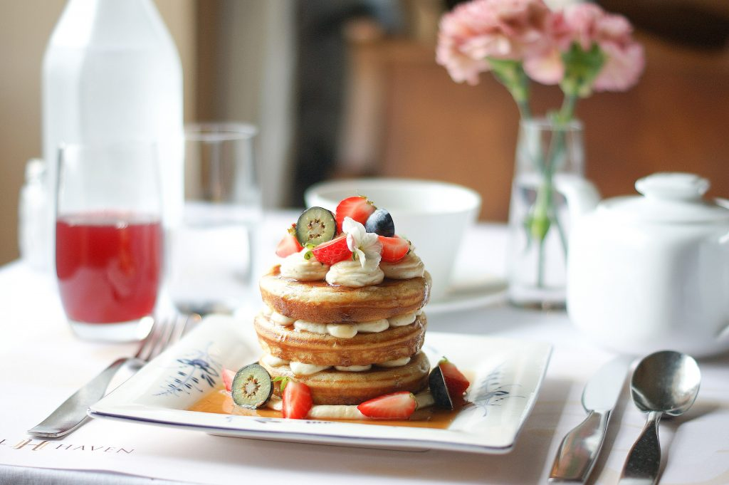 Pancakes with Mascarpone Mousse