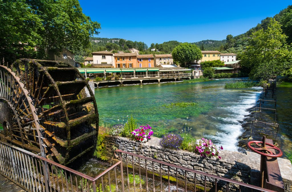 MAGNIFICENT VILLAGES OF FONTAINE DE VAUCLUSE AND L'ISLE SUR LA SORGUE. (France)